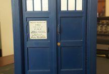 Telephone boxes / Tardis police telephone box
