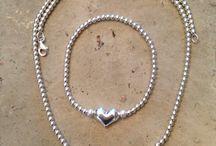 Handmade By Liliana / Handmade items make for you, with love.