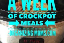 { Easy Quick Recipes For Families } / Easy, quick recipes for families. Crockpot recipes. Slow cooker recipes. One pot recipes. One pot meals. 15 minute meals. Insta pot.