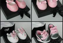 baby shoes fondant