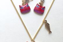 Smug Cat Necklace and Earrings Set