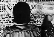 Synth / Synthesisers, synths and sequencers. Mostly analog goodness but perhaps even a few digital ones.