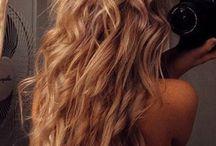 Il y a de l'@rt dans les cheveux .... / Coiffée, décoiffée ... Épis domptés ... Une occasion ... Ou pas ... Peu importe ... Je suis parée !!!