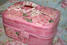 Painted Luggage Ideas / by Ariel Brodnax