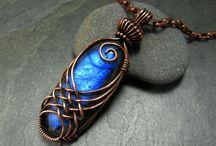 Taş | stone works / Artistic works produced with stone material. Jewelery, rings, necklaces, bracelets. Doğal taş malzeme ile üretilmiş sanatsal çalışmalar. Takılar, yüzükler, kolyeler, bilezikler,