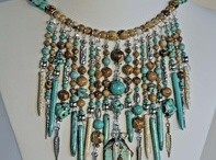 Jewelry - Statement Necklaces