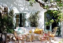 Outside oasis and gardens / Garden retreats and decor