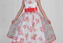Colección arras Venus Bridal España / Colección de vestidos de arras Venus Bridal 2017.