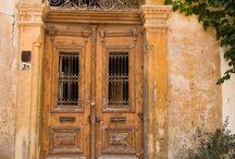 cuando una puerta se cierra... / by Mari Scully