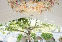suspended floral inspiration / We must have flowers hanging from the sky!