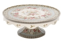 Cake stands / by RomiLiv