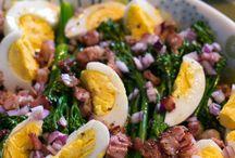 Broccoliino salaatti