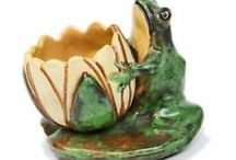 pottery frogs