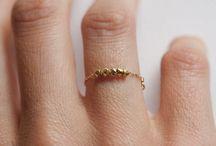 Aretes y anillos