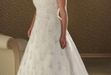 Plus Size Wedding Gowns / Beautiful wedding gowns designed to flatter the figure. Couture designs & made to measure options.  www.plussizebride.com.au