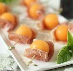 BUFFET FROID y BOMBON - LUNCH: bocaditos - sandwiches - calentitos - foods / presentacion en mesas - en bandejas - en platos / by Ana Maria Gabarro