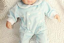 Bambola Reborn / Reborn Baby Nursery è una giovane azienda startup che offre magnifiche bambole interamente fatte a mano, di diverse dimensioni, con graziosi volti realistici.