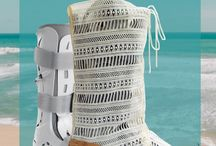 The Brezza / A summer weight, light and breezy, cover for your medical boot or aircast.