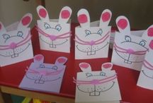 Easter card craft idea / This page has a lot of free Easter card craft idea for kids,parents and preschool teachers.