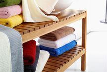 Frottier / Schöne, edle Handtücher in hoher Qualität - einfarbig und gemustert. Jedes Bad gewinnt mit feinen Frottierwaren!