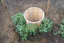 Inspired Garden Hacks / Brilliant. Efficient. Actionable. Making things a bit easier on the homestead.