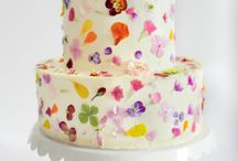 STYLING | Edible Flowers / cake style, edible flowers, edible blooms, edible flower cake, fresh edible flower cake, pressed edible flower cake, baking with edible flowers, styling with edible flowers, pretty edible flowers, edible flower tutorials, edible flower guides, edible flower desserts, edible flower dessert ideas, edible flower petals design