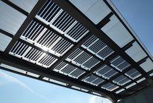 Integrált napelemek / Napjainkban a megújuló energiák alkalmazása előre mutató gazdaságos döntés. A napelemek az épület díszei és a környezettudatos gondolkodásmód hírnökei lehetnek esztétikus beépítéssel az épület harmóniáját megtartva.
