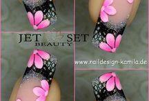 Pretty designed nails