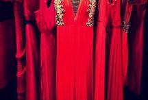Vestidos vermelhos / A tendência forte do vermelho, a cor vibrante que inspira grandes paixões.