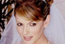 Wedding Hair With Veil / It's the obligatory wedding hair with veil board! Oh come on! you didn't think we'd actually be a wedding planner and not do one of these devoted to wedding hair with veils and the various looks therein? Enjoy!
