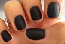 Nails + nail polishes