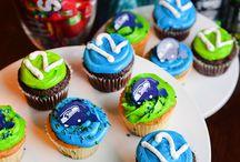 Seahawks / Seahawks themed birthday party ideas and cakes.