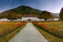 Kashmir Tours / Kashmir A Heaven of India. Famous Destination for Honeymooners and Holidays