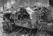 Abandoned cars / Cars
