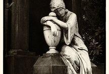 STATUES ÉMOUVANTES (CIMETIERES ET JARDINS) / cemetery and garden statues