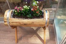 Kütük Çicek Saksım My wooden Flower Pot / Kütük ten yapılma çiçek saksı Fower pot made by carving of billet