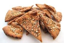 baked pita crackers