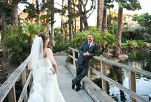Paradise Point Weddings / San Diego's island resort located in the heart of Mission Bay, Paradise Point is an unrivaled wedding setting and the epitome of a coastal California retreat. Featuring impeccably designed ballrooms, verdant gardens, soothing lagoons, bayfront lawns and sandy beaches, Paradise Point is the perfect location for your dream San Diego wedding. Merilee Hennings and Alesha Ballón of EverAfter Events have created breathtaking weddings at this venue.