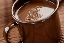 Ciocolata calda in stil Catalan / Ciocolata calda din tablete de ciocolata create in Barcelona cu destinatia exclusiva de a fi topite in lapte