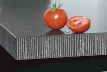 Luxe randafwerkingen / Maak u keukenblad helemaal af met een luxe randlijst. Een speciale randafwerking kan het betaalbare Toplaminaat®-blad een heel andere uitstraling geven. Robuust, stijlvol, trendy of strak: met een luxe randlijst creëert u de sfeer.