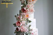Beautiful Sugar Flower Wedding Cakes