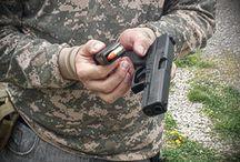 Kurzy Pištoľ / Ponúkame vám výcvik semináre a školenia pre civilný sektor. Našich kurzov sa môžu zúčastniť aj záujemcovia bez zbrojného preukazu. Záujemcom bez potrebného vybavenia (zbraň, munícia, a podobne) ho vieme zabezpečiť.