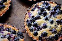 Cakes, Cobblers & Pies / by Rhonda Eskew