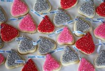 Cookies {Homemade} / Fabulously designed Cookies and Cookie Recipes; particularly those frosted with Royal Icing / by Janis Hueftle