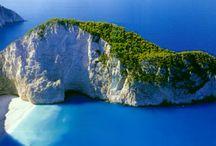 """Греция / Британский гей-портал GayStarNews определил 7-ку наиболее подходящих для гей отдыха островов. К вероятному удивлению в эту семерку не вошел о.Миконос и Санторини.  Составители этого рейтинга, заранее предвидели этот вопрос и прокомментрировали это так - """"Несомненно Миконос имеет одно из популярных гей направлений, а Санторини одно из прекраснийщих, романтических мест на земле, но в Греции есть довольно таки много других незабываемых островов, где можно провести самый запоминающийся отпуск в м"""