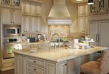 Kalassy kitchens / by Mendi Martin Border