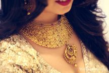 Wedding Jewellery / Choose gorgeous wedding jewelry such matha patti, necklace and earrings in gold, platinum and diamond that are inspired from Real Brides
