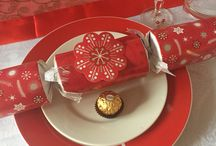 Red and white Xmas table