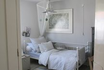 A place to sleep / Beautiful decor ideas grown up bedrooms.