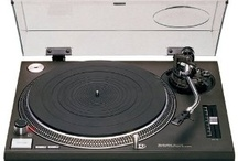 Turntables / Giradiscos